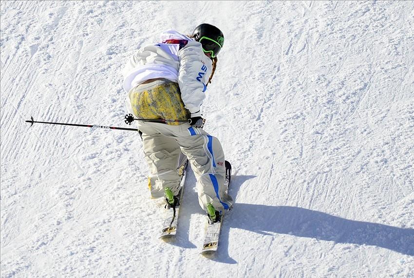 SnowMovies :: Райдеры :: Henrik Harlaut. Биография. Видео. Фотографии.  Спонсоры райдера.